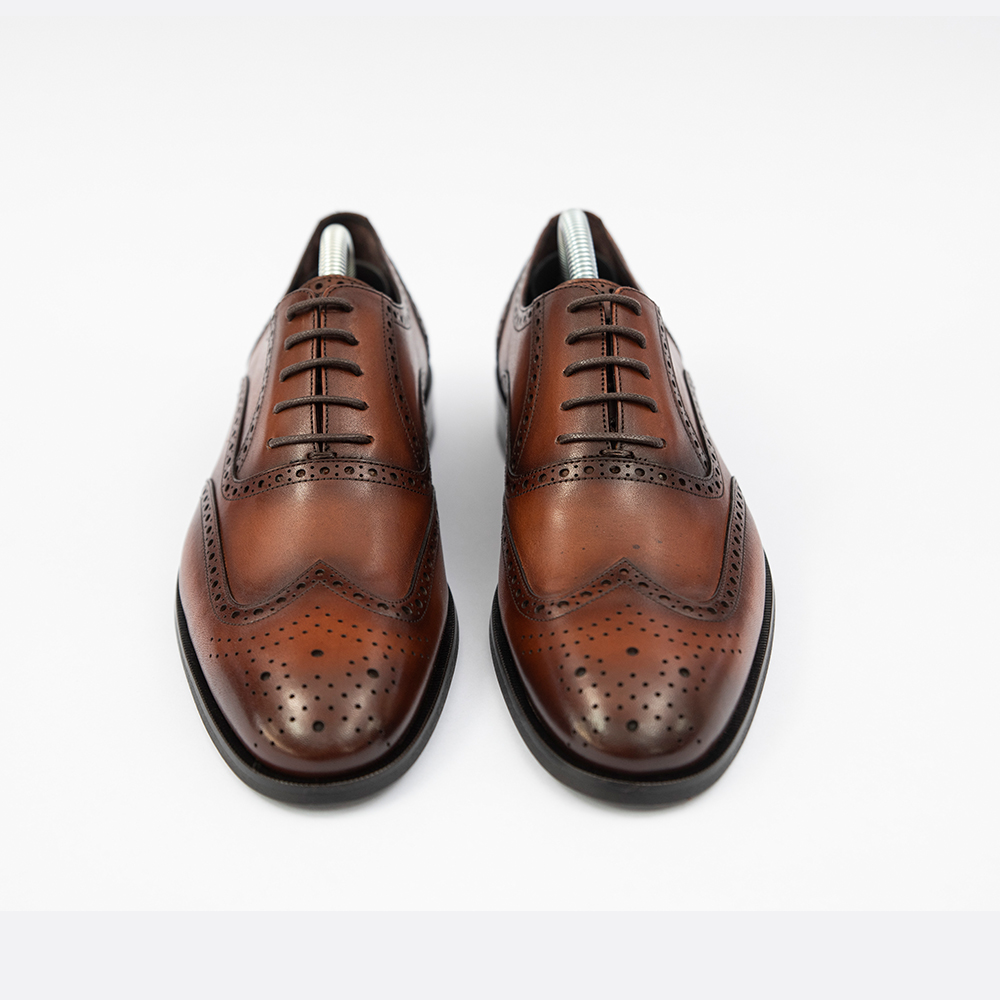 Pantofi maro din piele cu model