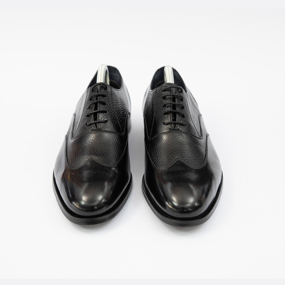 Pantofi negrii din piele cu model